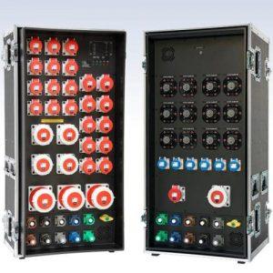 Sie sehen ein Bild von Stromverteilern im Flightcase von der Firma INDU-ELECTRIC.
